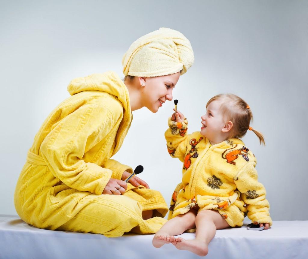 Фото мам с дочкой в ванной 19 фотография