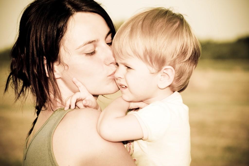 мама и сын шалят смотреть фото бесплатно