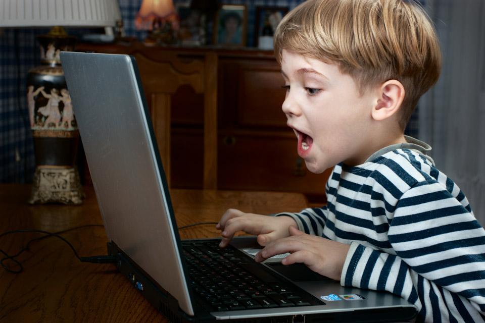 Игру на компьютер для детей 10