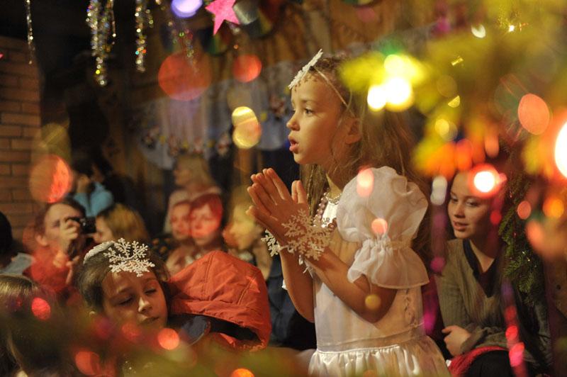 Community Vissarion. New Year for children.