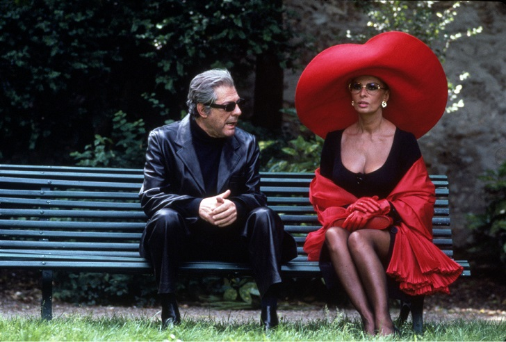 No Merchandising. Editorial Use Only Mandatory Credit: Photo by SNAP/REX Shutterstock (390920fu) FILM STILLS OF 'PRET-A-PORTER aka READY TO WEAR' WITH 1994, ROBERT ALTMAN, SOPHIA LOREN, MARCELLO MASTROIANNI IN 1994 VARIOUS