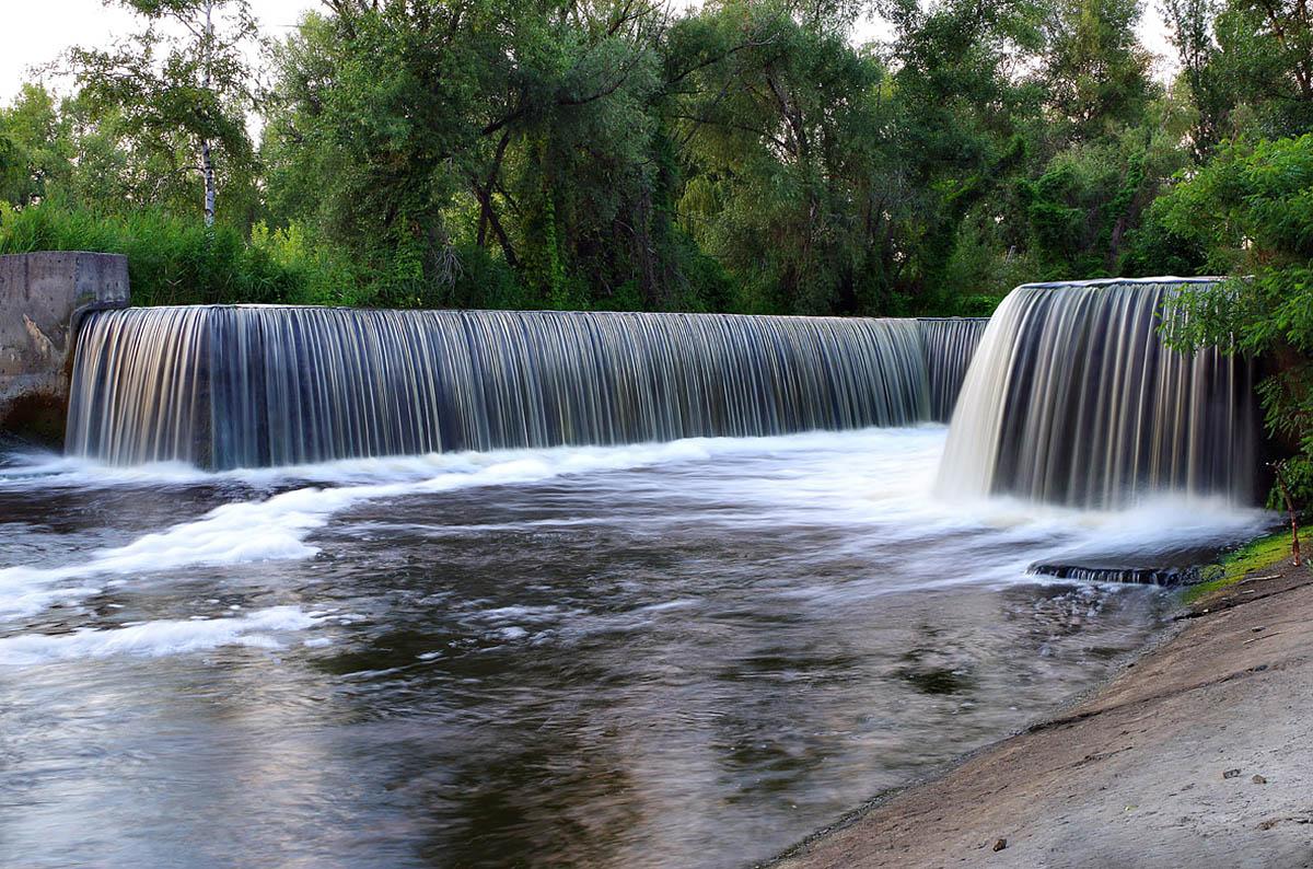 1491074600_vodopad-v-urochische-pokol