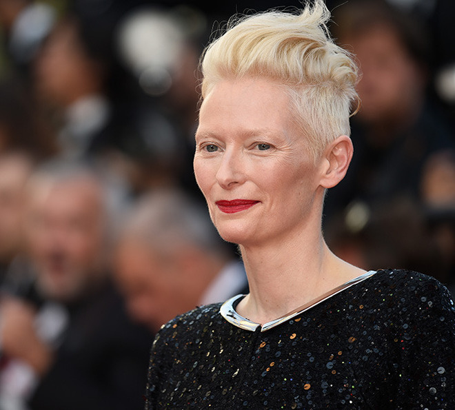 CANNES, FRANCE - MAY 23: Tilda Swinton attends the 70th Anniversary of the 70th annual Cannes Film Festival at Palais des Festivals on May 23, 2017 in Cannes, France. (Photo by Antony Jones/Getty Images)
