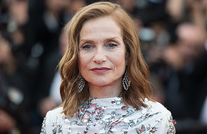 CANNES, FRANCE - MAY 23: Isabelle Huppert attends the 70th Anniversary screening during the 70th annual Cannes Film Festival at Palais des Festivals on May 23, 2017 in Cannes, France. (Photo by Samir Hussein/WireImage)