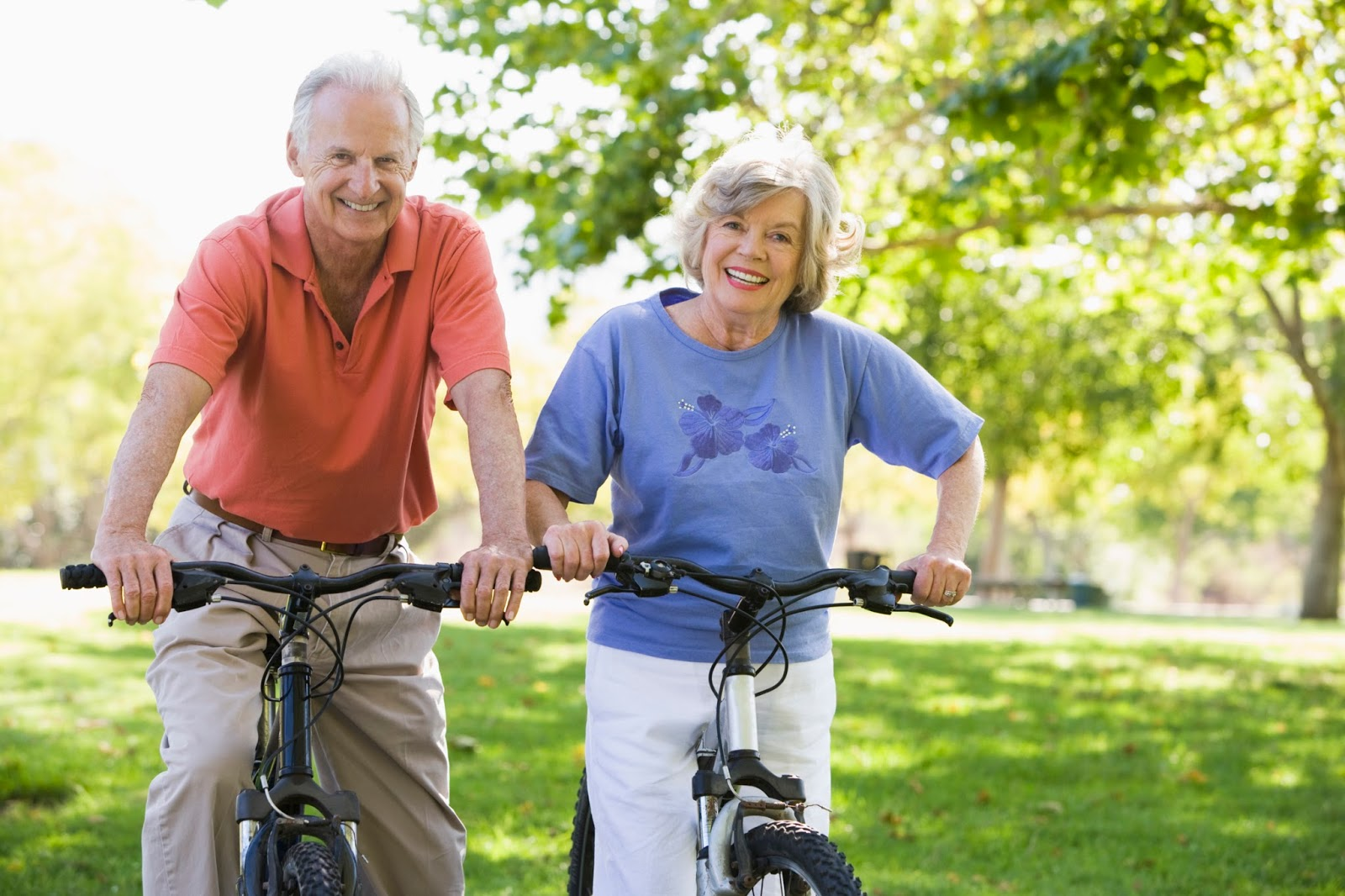 older_couple_biking