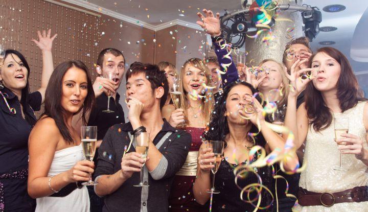 Развлечение с пьяными подругами, русских женщин